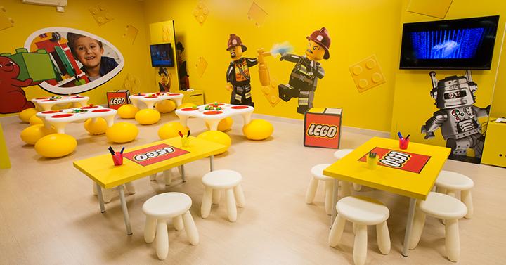 El novedoso concepto de ocio LEGO® Fun Factory abre su primer espacio en Cataluña en Diagonal Mar