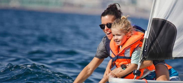 ¡Diagonal Mar te invita a disfrutar de una salida a vela o en paddle surf durante las rebajas de verano!