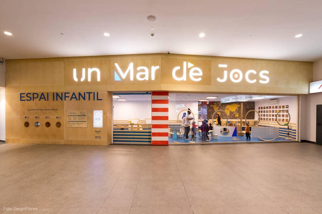 Fachada de UMDJ Centro Comercial Diagonal Mar